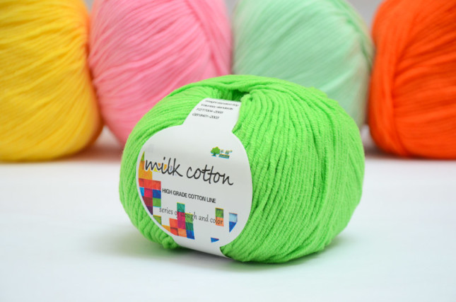 Benang rajut milk cotton