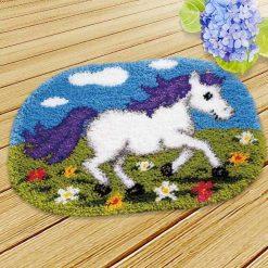 L77 Latch Hook Kit Karpet Rajut Kuda Putih 50X36 cm