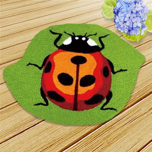 L79 Latch Hook Kit Karpet Rajut Ladybug Orange 50X36 cm 1